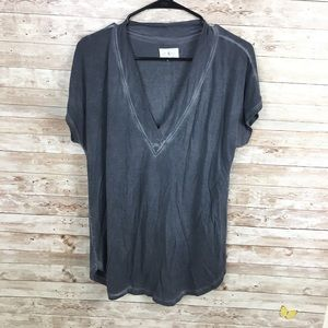 Lou & Grey Grey V-neck Shirt Size Small